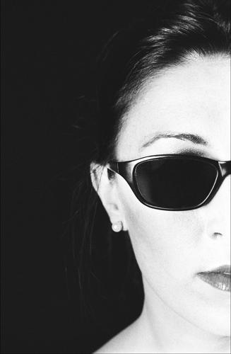 Visage surréaliste, noir et blanc argentique Leica M6